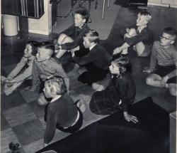 televisie kijken 1954 (1)