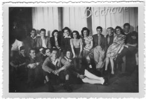 Kijkduin - groepsfoto winkel Bochove
